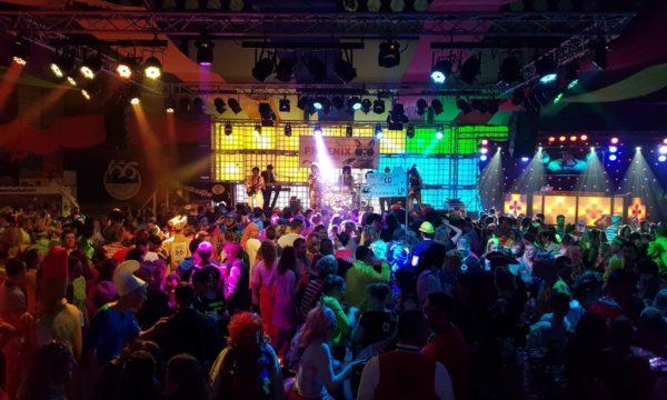 phoenixcoverband.nl Carnaval 2020
